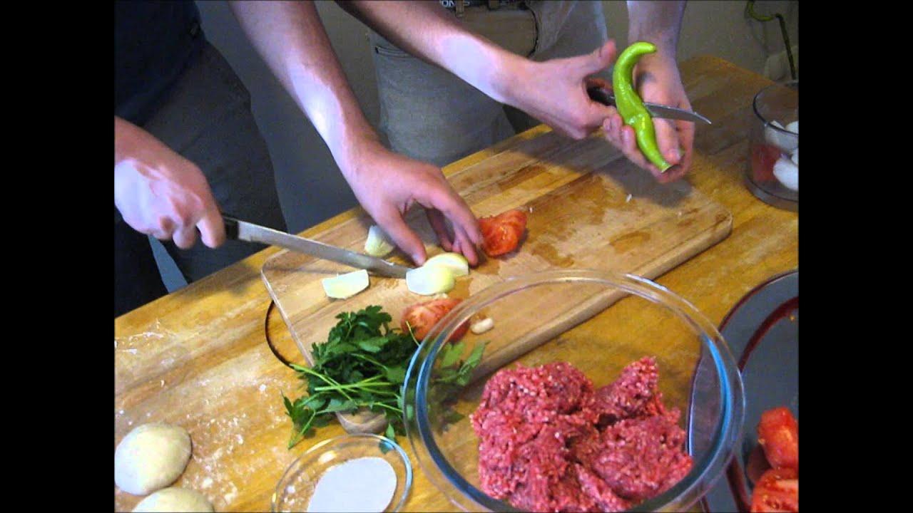 Lahmacun turkish food english youtube lahmacun turkish food english forumfinder Images