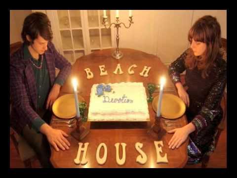 Клип Beach House - D.A.R.L.I.N.G.