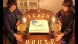 Beach House - D.A.R.L.I.N.G.