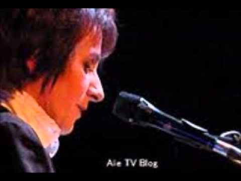 SYLVAIN KUSTYAN - MARIE PAULE BELLE - Je veux pleurer comme Soraya (LIVE 95).wmv