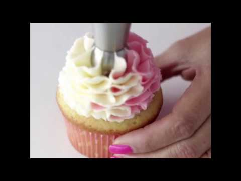 A Compilation Of Super Satisfying Cake Piping Videos