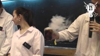 TAK CHEMICY SŁODZĄ HERBATĘ