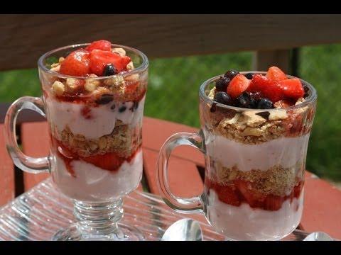 parfait-aux-fruits-&-yaourt---fresh-fruit-&-yogurt-parfait---ياغورت-الفواكه