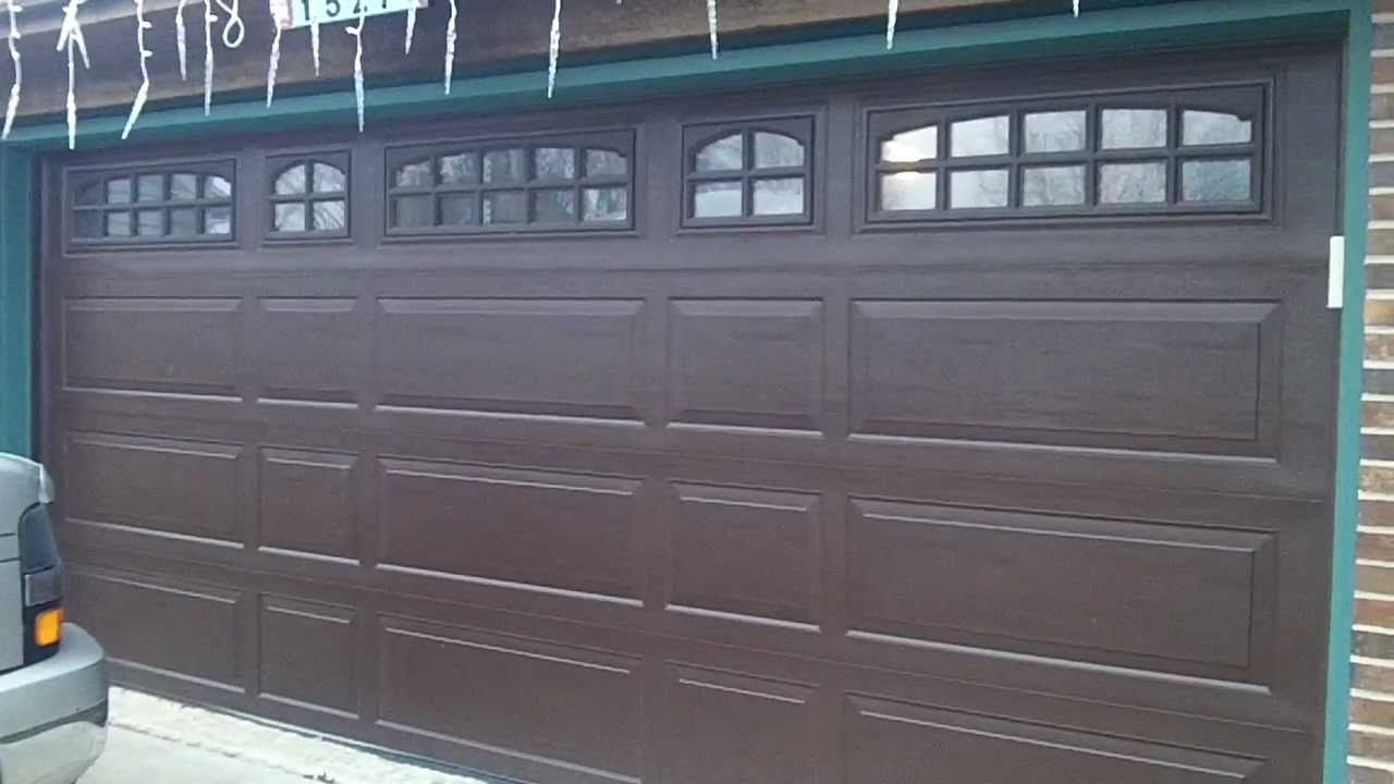A Raynor Brookview Garage Door in Darien,IL * the review * - YouTube