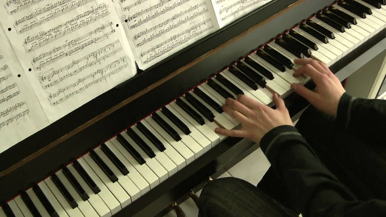 10 simple beautiful piano songs to play (with pdfs) – Kevin