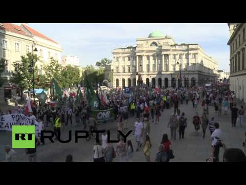 Poland: Flare-lit march celebrates anniversary of 1944 Warsaw Uprising