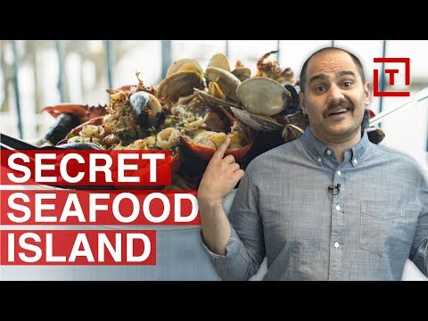 This Cozy NYC Fishing Town is a Seafood Mecca || Food/Groups