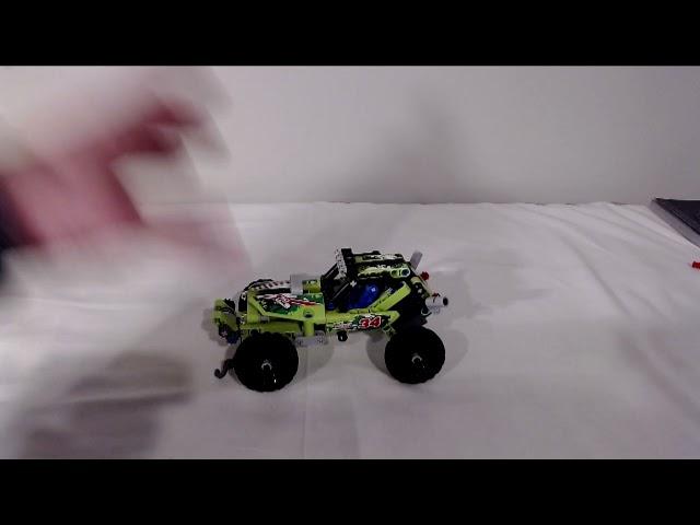 Ein Desert Racer von Lego