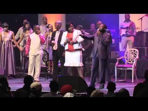 Spirit Of Praise 4 - We Are Family