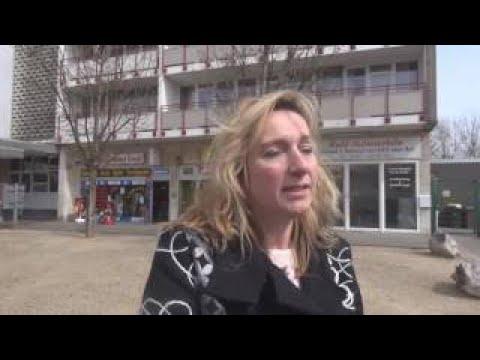 Frau wirft Hausstand aus Fenster - wird durch SEK überwältigt in Sankt Augustin am 13.04.1