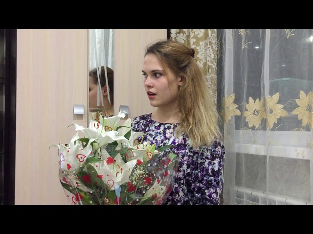Изображение предпросмотра прочтения – ЕкатеринаЗахарова читает произведение «Она начинает тебя забывать» (Газиева Ксения)