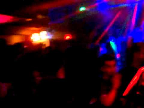 The Twelves - Radio Ladio Metronomy, DJ-Kicks Bongo Song, Boys Noize Arcade Robot (Live)