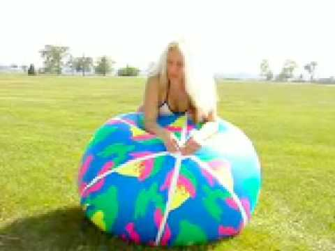 girl-naked-on-inflatable-ball