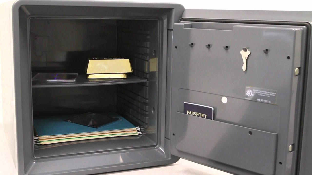 1.3 Cubic Feet First Alert 2092F Waterproof and Fire-Resistant Combination Safe