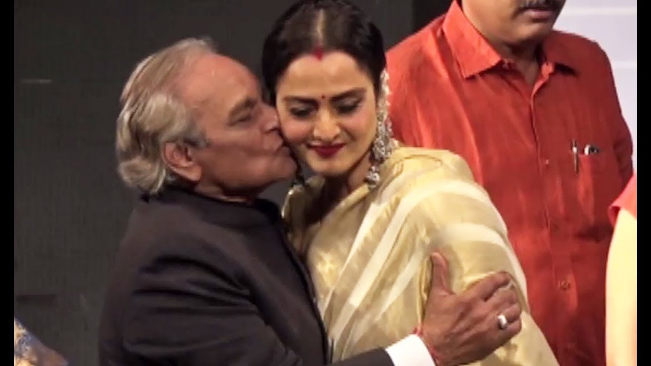 Rekha Kissed Forcefully By Anandji Bollywood Actress