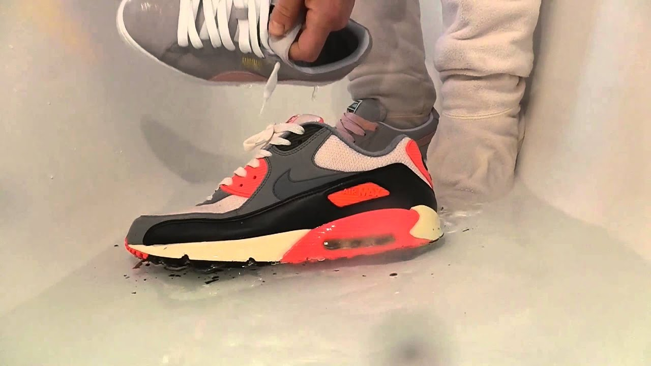 nike air max 90 id atomic red carrots