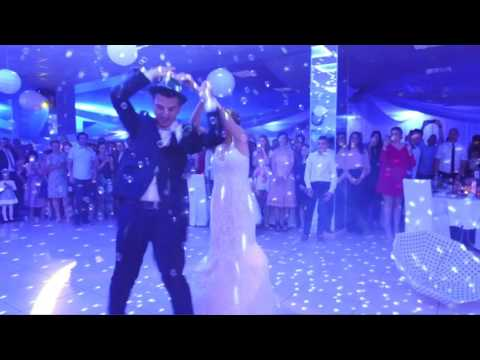 """Frank Sinatra """"Fly Me To The Moon"""" Wedding First Dance"""
