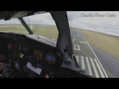 Boeing 737-800 landing in Beauvais (Cockpit view)
