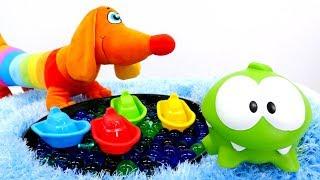 Farben Lernen mit Om Nom! Kindervideo auf Deutsch.