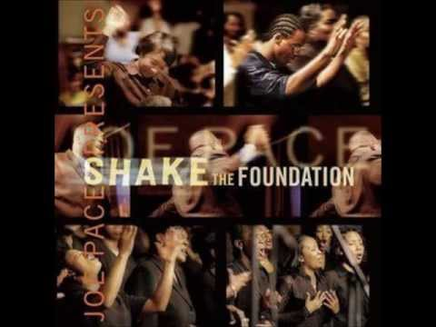 Joe Pace & The Guiding Light Church Choir - Be Glorified Medley/Praise Break