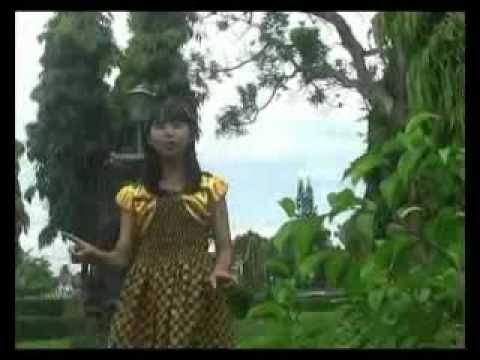 Indonesia Pusaka - Performed by AGNI AGNIAZA - SMP N 2 Purworejo.mp4