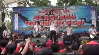 Video Tipe X - Karena Cemburu (Live at Mayday Fiesta 2014 FSPMI Purwakarta) download MP3, 3GP, MP4, WEBM, AVI, FLV Maret 2018