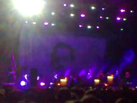 Franz Ferdinand Can't stop feeling + I feel love (Donna Summer cover) live Perfect Day festival