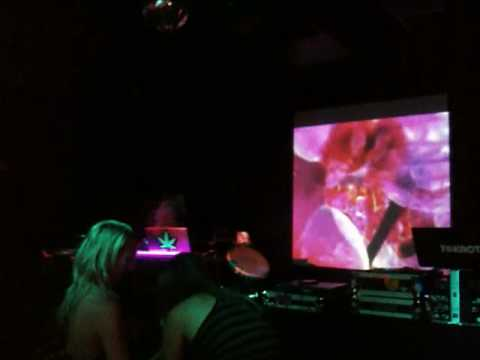 Lightning Eyez at Gin & Tronic