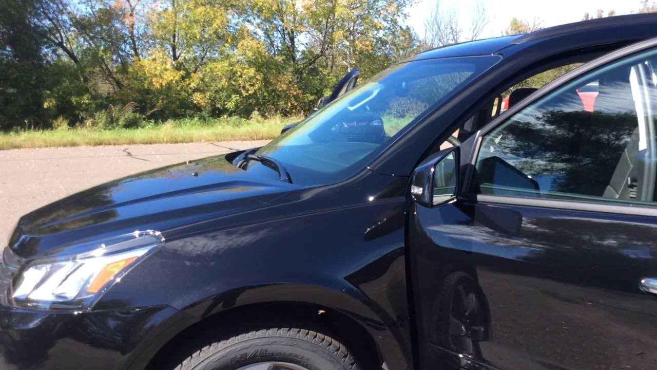 2017 Chevrolet Traverse 2lt Awd Mosaic Black