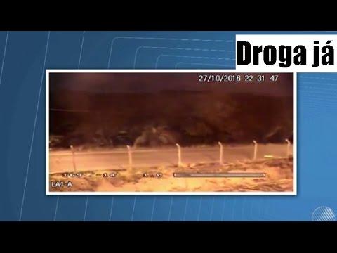 Drogas São Lançadas Para Dentro De Presídio Na BA E Câmera Flagra Ação