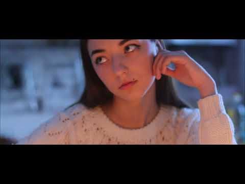 "мини-клип на песню ""Луна не знает пути"""
