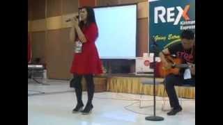 Ten 2 Five Acoustic & Grenade Cover Rossy Rosalita