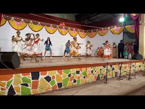 V.P.S High School Lonavala #8th Std Girls Performing Group Dance