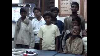 NIcotine Adicted Poor Children Caught in Bilaspur Railway Station C.G.