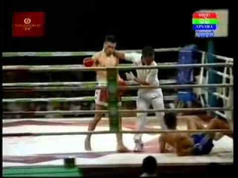 Saroeun Chan Vs Lam Tak Keang (Laos) 01 Nov 2014 | Thai Boxing Rayuthnoy Vs Lotat ISUZU 01 Nov 2014