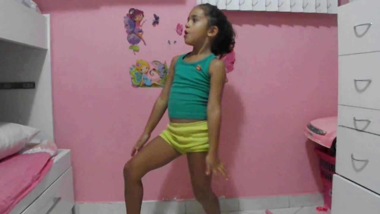 Clara dança Show das Poderosas