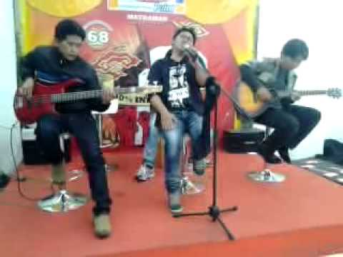 De logies Live perform @matraman Jakarta Travel Video