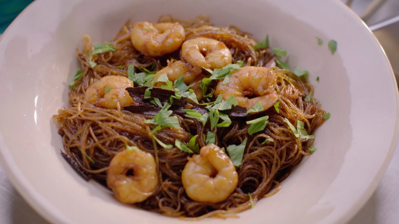 Thai Noodles With Prawns And Cinnamon Recipe Simply Nigella Episode 1 Bbc Two Youtube