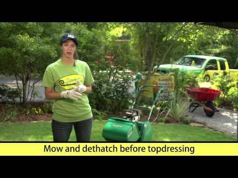 How-to topdress a lawn to make a level surface.