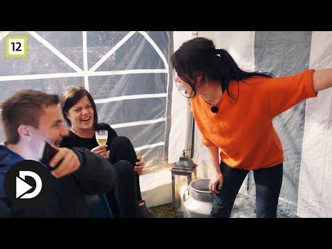 Jegertvillingene   Johanne saboterer for Kristine med en dårlig vits   TVNorge