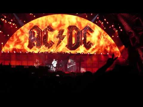 ac dc highway to hell live in vancouver 2015 09 22 bc place youtube. Black Bedroom Furniture Sets. Home Design Ideas