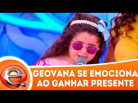 Geovana se emociona ao ganhar presente   Programa Eliana (01/04/18)