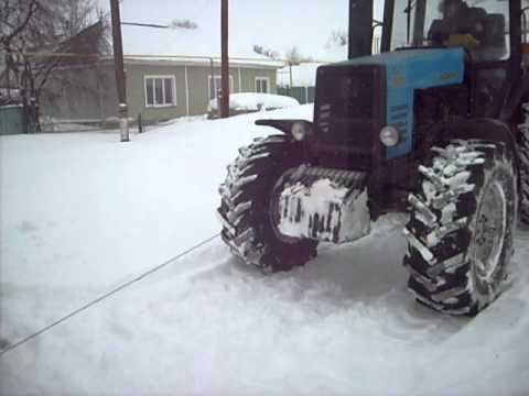 Тракторы буксуют в грязи игры
