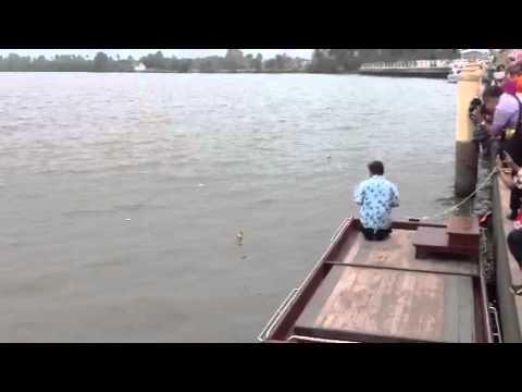 หลวงพ่อโสธรลอยขึ้นจากน้ำ244ปี