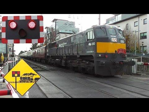 RPSI 071 Class Loco 080 + Cravens Set - Lansdowne Road Level Crossing, Dublin