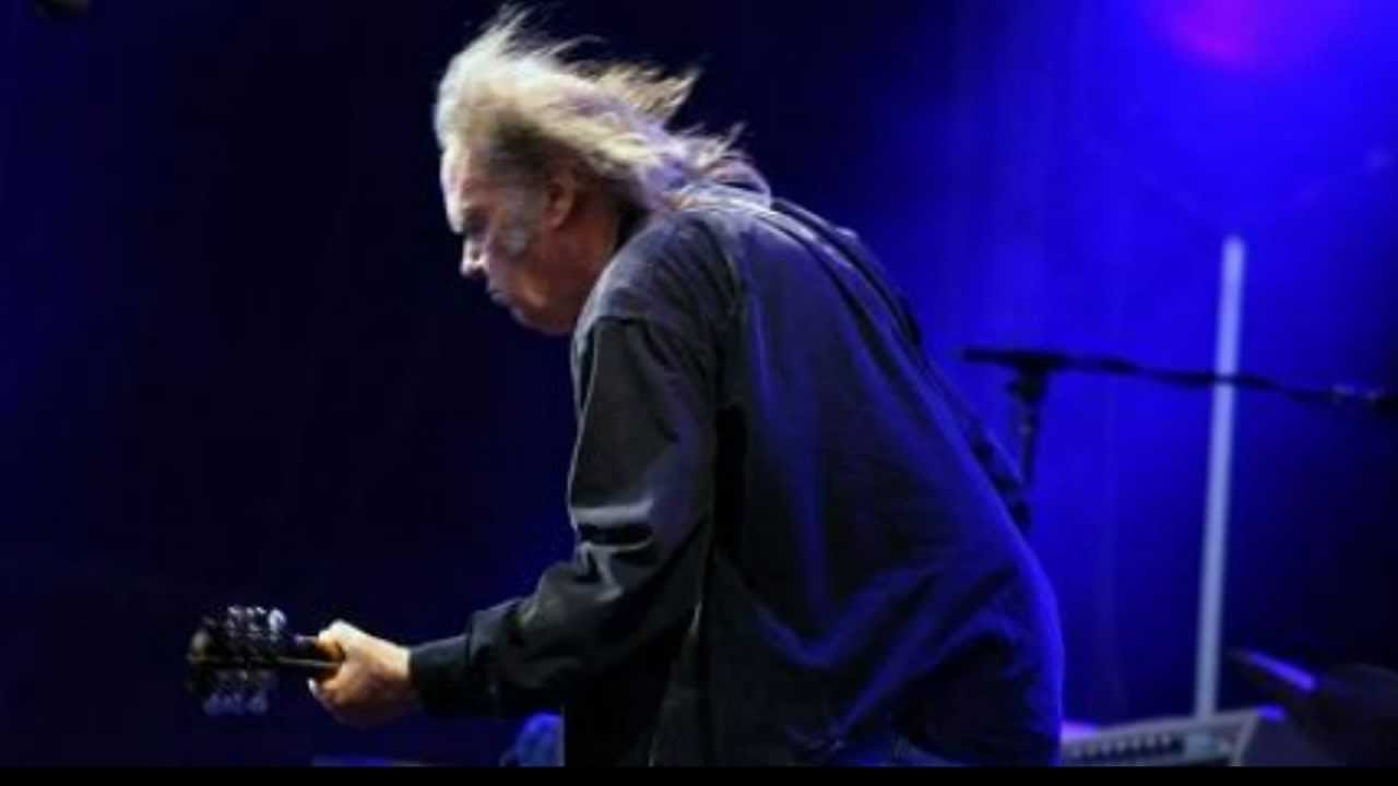 Neil Young Rockin In The Free World New Sound Live From Hyde Park 27th June 2009 Youtube