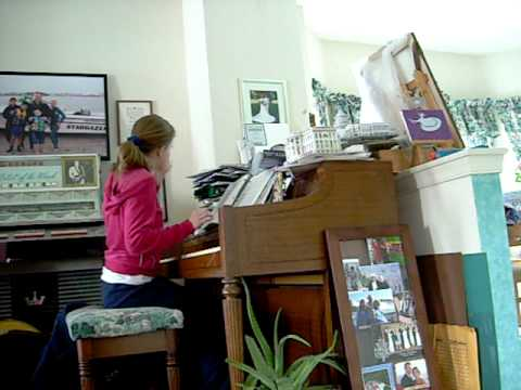 2010-02-27  ticcing bad at the piano.AVI