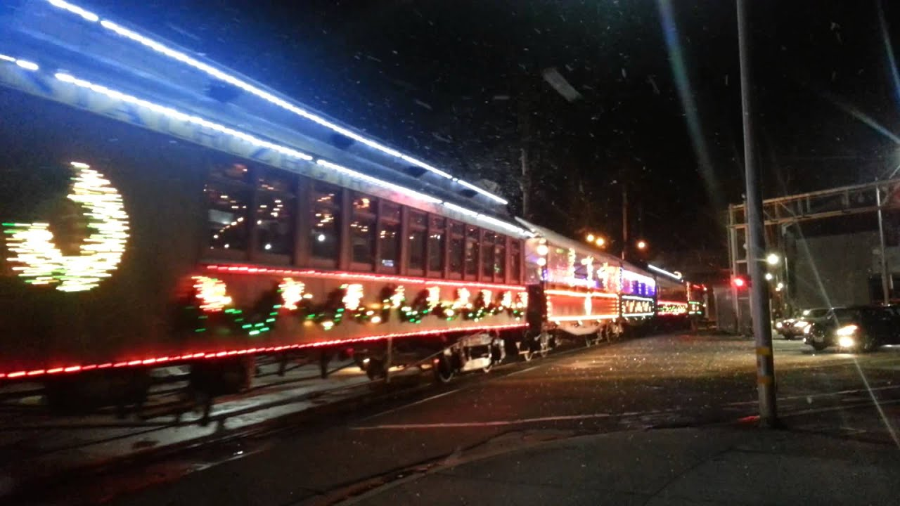 santa cruz holiday lights train