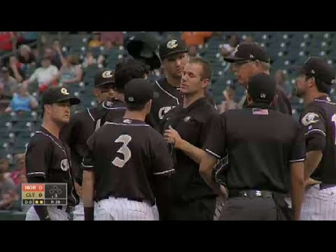 White Sox's Rodon hit with liner, leaves game