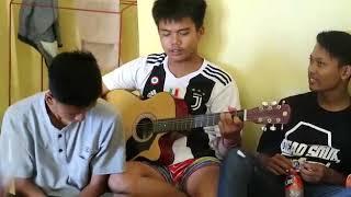 """Download lagu """"Slank""""~ku tak bisa~Video group band konyol ANAK LAKBOK.."""
